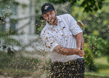Davey Jude chips out of the sand en route to his Mountain State Golf Classic win on Monday at Glade Springs (F. Brian Ferguson/Lootpress)