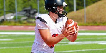 Liberty quarterback Clayton Williams drops back during practice in Glen Daniel. (Karen Akers/Lootpress)