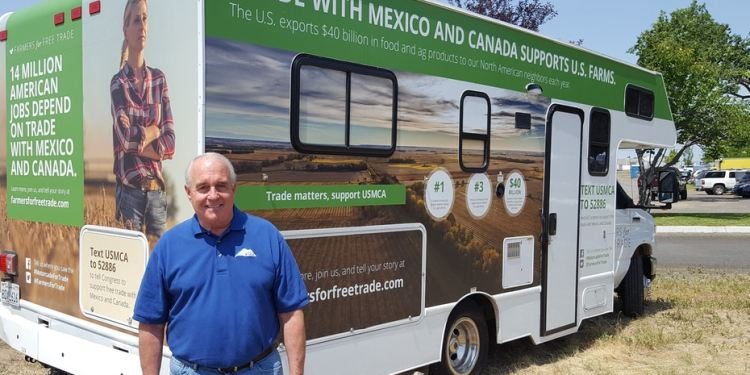 Director Sandison advocates for the importance of agricultural trade during an event in the U.S.