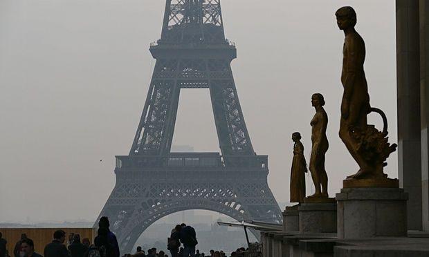 La red social estaría cometiendo fraude fiscal en Francia. Foto de The Guardian.