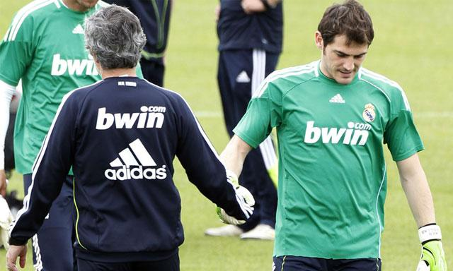 Mourinho entrenó a Casillas en el Real Madrid. Foto de La República.