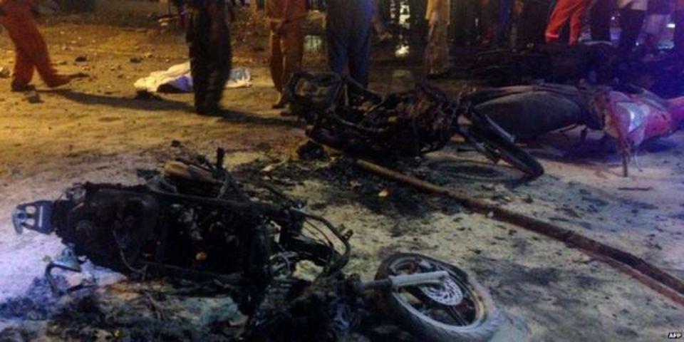 La policía cree que al menos 10 personas participaron en el ataque. Foto de CNN.