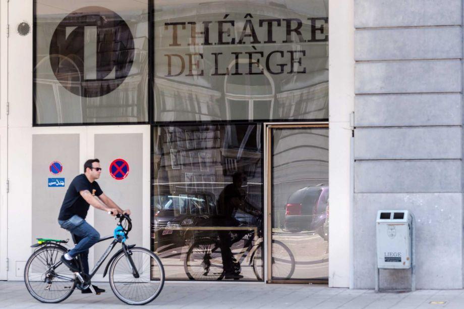 Teatro de Lieja con su logotipo. Foto de Beaumont Enterpreise