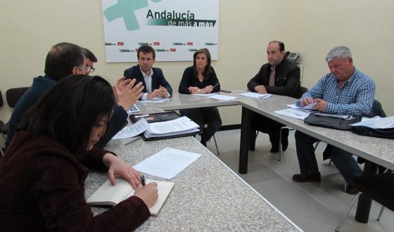 El PSOE de Jaén respalda a las asociaciones de pescadores y anuncia iniciativas parlamentarias frente a la sentencia que prohíbe la pesca continental
