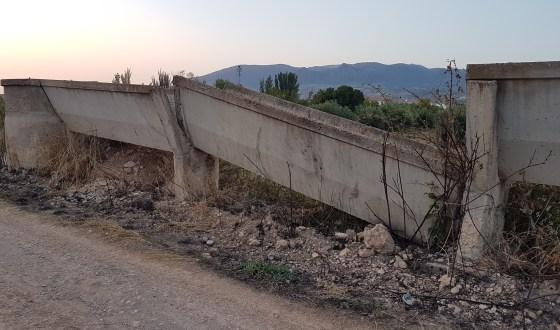 Foto denuncia: Antiguas canalizaciones de agua inservibles y en mal estado