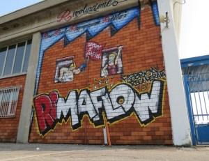 Grafite na fábrica recuperada: 'reuso, reciclo, reapropriação, renda, revolução'