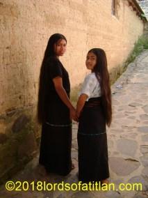 Sisters from Santa Cruz la Laguna.