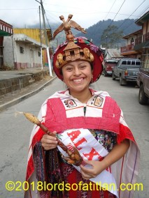 Rosa Argentina is from Santiago Atitlán. Therefore, she speasks tzutujil.