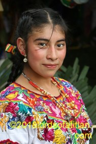 Yolanda, was indigenous queen from Nimasac, San Andrés Xecúl. Therefore, she speaks k´iche´.
