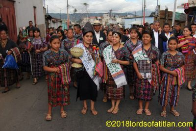 These four all wear clothing from the city of Chimaltenango. However, the second from the left is from Santa Clara la Laguna and therefore a k[iche[ speaker. She represnted Chimaltenango *a kaqchiquel town( at the national level.