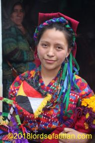 Candidate for the Queen of the Giant Kites in Santiago Sacatepéquez and therefore a kaqchiquel speaker.