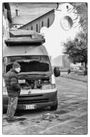 Piazza Santo Spirito, furgone da riparare 1