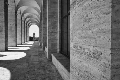 palazzo-della-civilta-italiana-loggiato-laterale