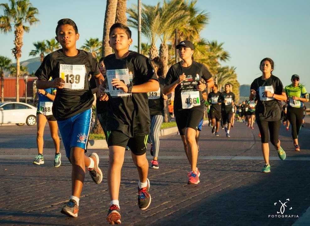 2.5k marathon kids on malecon boardwalk race path