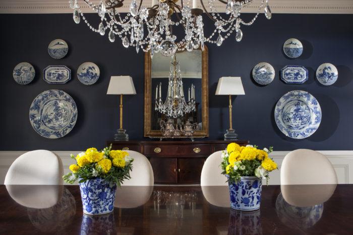6-lori-dennis-interior-design-lake-sherwood-blue-dining-room