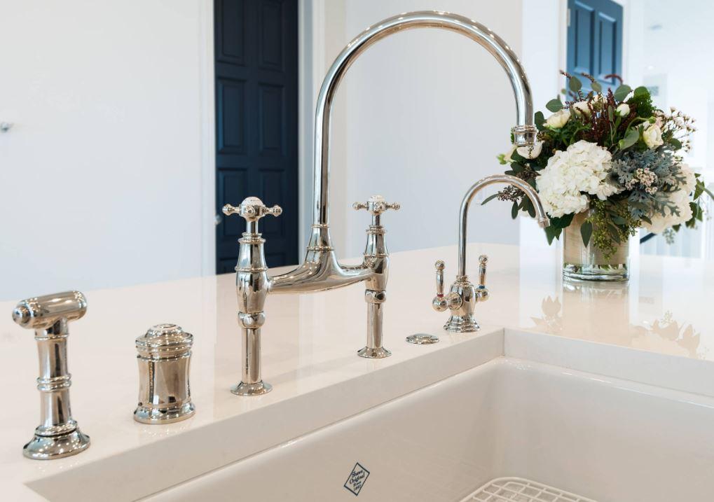 Water Saving Plumbing Kitchen Faucet