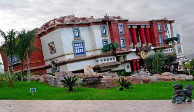 Los edificios ms raros del mundo Parte 3 Casas al