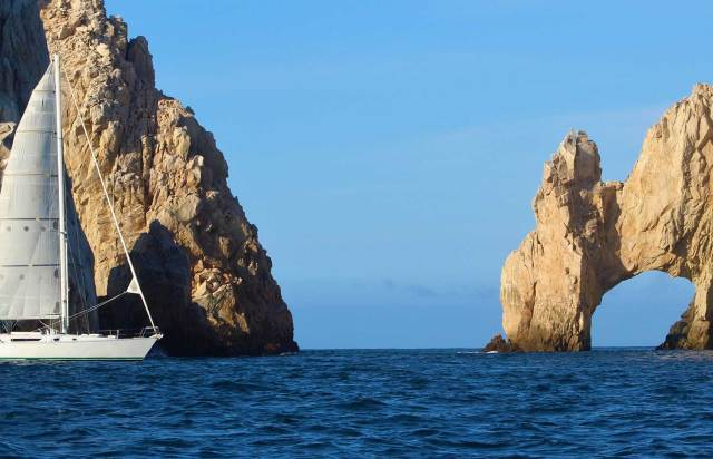 Cabo-Deluxe-Sailing-web
