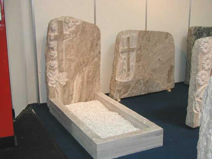 Arte funeraria marmi Castano Busto Legnano
