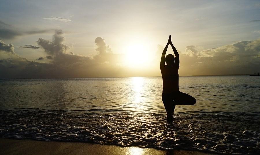 Un weekend al mare di yoga contemporaneo