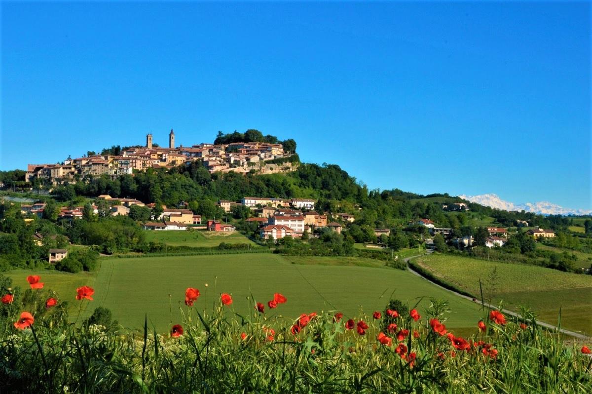 Rosignano Monferrato: Barbera & Champagne i protagonisti di Golosaria