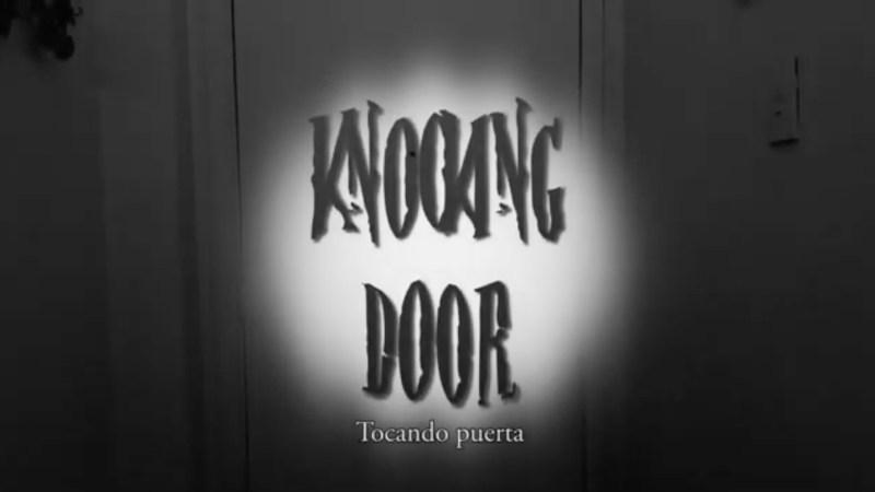 Knooking Door