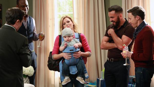 elizabeth banks-modern family-emmy 2015