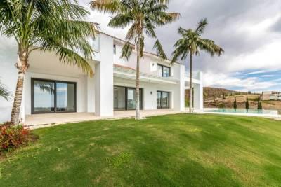 contemporary villa for sale001