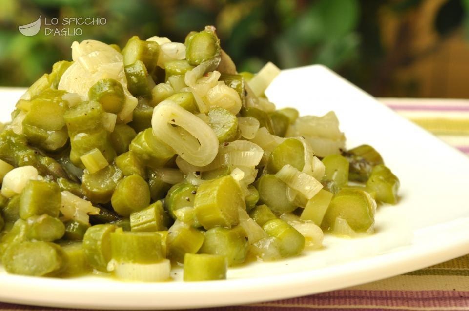 Ricetta  Asparagi e cipollotti in padella  Le ricette
