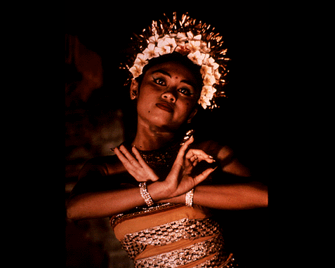 064 - Dancer from Bali, donna Grosvenor
