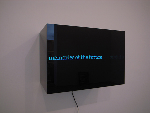 Laurent Grasso - Memories of the Future - 50x42x74cm Neon en plexiglas