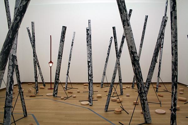 Martin Kippenberger - Diverse werken - Metaal, glas, kunststof, hout, gloeilamp en diverse