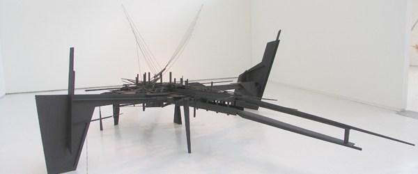 Ook nog uit het lijstje van Den Bosch, Frank Havermans (1967) tentoonstelling 1:1. Geen schaalmodellen dus. Wat valt daar echt over te zeggen? Het zijn constructies van hout waar vervolgens […]