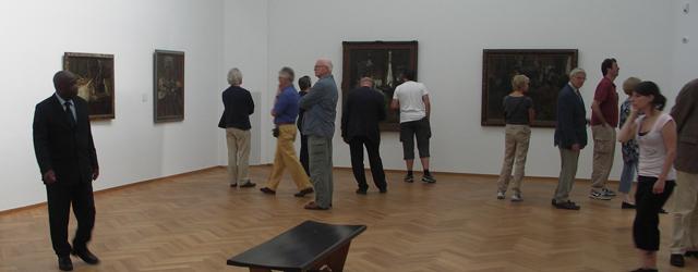 Afgelopen vrijdag was ik behalve naar het GEM, natuurlijk vooral heel dat eind naar Den Haag afgereisd voor James Ensor. Het indrukwekkende oeuvre van de Belgische expressionist James Ensor (1860-1949) […]