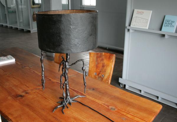 Atelier van Lieshout - Lamp