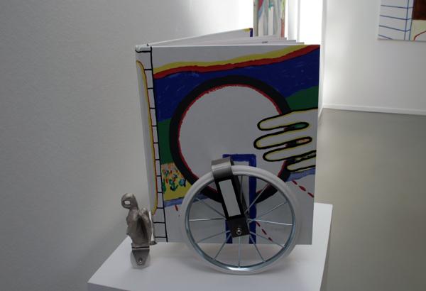 Roger Raveel - Een boek op wielen Een gevleugelde gedachte - 39x36x12cm