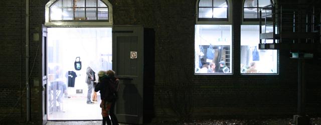 Afgelopen weekend waren de Open Ateliers bij de Rijksacademie. Dat hebben ze ieder jaar maar misschien en helaas, was dit wel het laatste jaar. Natuurlijk de ultieme gelegenheid eens goed […]