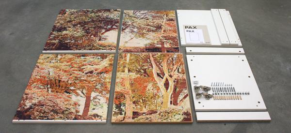Gary Carsley - D86 The Giardiani della Biennale di Venezia (Venezia) - Lambda print op IKEA meubel bouwpakket
