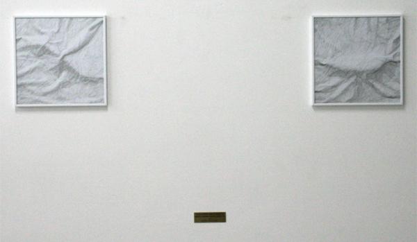 Rumiko Hagiwara - Gun Under White Sheets & Knife Under White Sheets - 30x30cm Potloodtekeningen