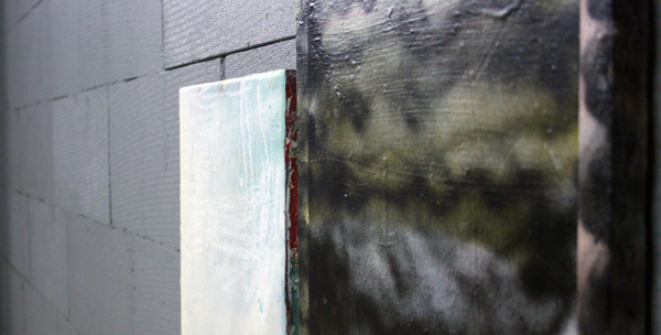 Oliver Rafferty - White painting with black painting - Olieverf, spuitbus, pastel en marker op paneel en canvas (detail)