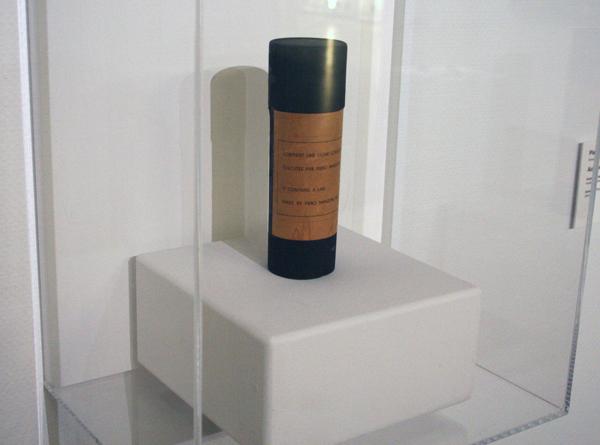 Piere Manzoni - Linea - Karton, papier en inkt