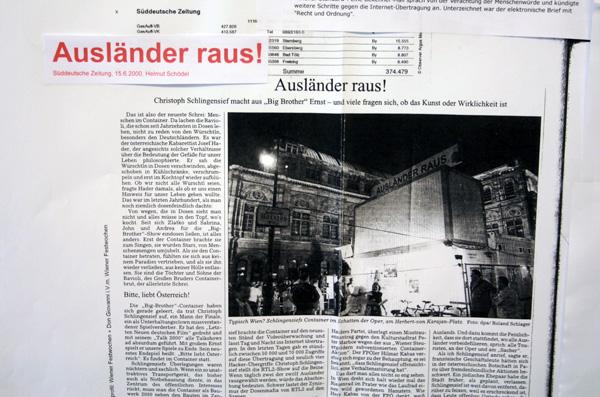 Christoph Schlingens - Auslander raus—Bitte liebt Osterreich - Performance