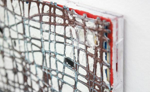 Tom Poelmans - Onschuldig Zelfbedrog - 30x40cm Polyfilla en plastiek op doek (detail)