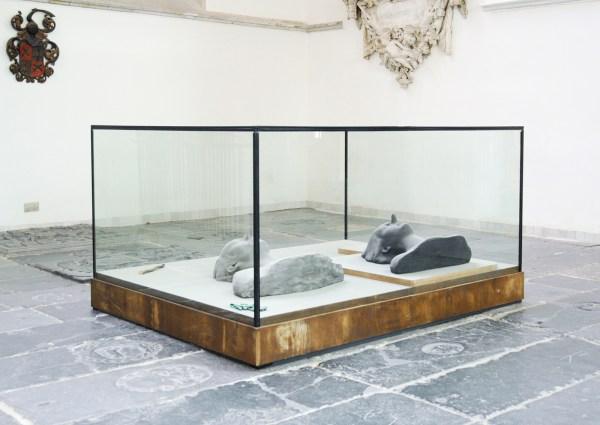 Michael Borremans - Everythig Fails - Glas, hout, metaal mertaalverf en stof