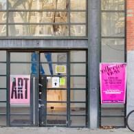 De naam van Big Art Fair impliceert een beurs voor groot dan wel grootse kunstwerken. Die belofte wordt helaas niet ingewilligd. Een groot deel van de werken stijgt niet boven […]