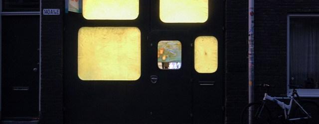 Sinds 2012werktBerend Strik (1960) aan een reeks werken metde titel 'Decipher the Artist's Mind'. Kort samengevat, Strik maakt foto's in de (voormalige) ateliers van kunstenaars over de hele wereld en […]