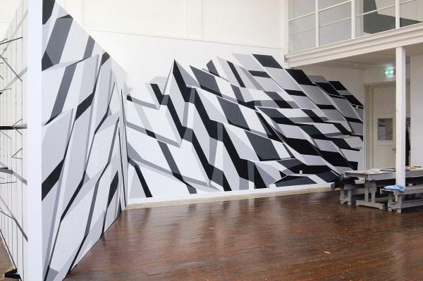 Roos van Dijk - Time and Tide Wait for No Man - Acrylverf op muur