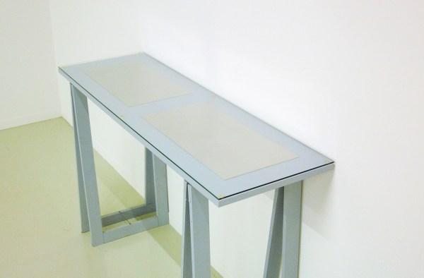 stanley brouwn - 1 ell x 1 foot 2 feet x 1 foot - Aluminium platen, 1989