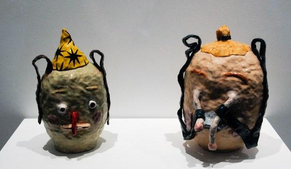 Joakim Ojanen - Green Wizard Head & Slinky Eyes, Grabby Ears - elk ongeveer 35x20x25cm Beschilderd en geglazuurde keramiek