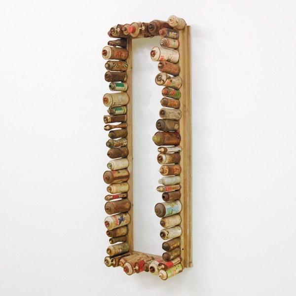 Jan Hendrikse - Zonder Titel - Spuitbussen op houten lijst, 1960